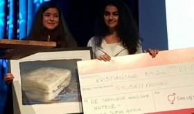 Nancy Herz og Sofia Nesrine Srour mottar Skamløsprisen 080916